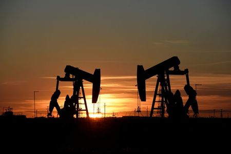 Oil rises on U.S. and European demand growth optimism