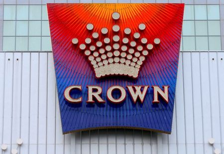 Australia's Star Eyes Crown in $7 billion Play, Vies with Private Equity