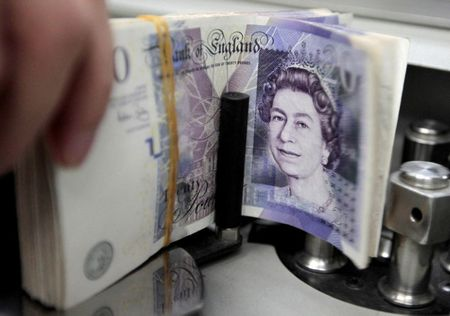 Sterling Little Changed by Britain's 4.8% GDP Growth in Q2