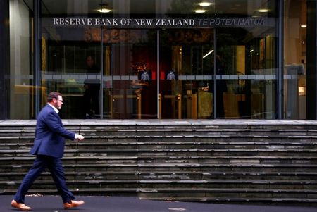 Delta Delays Great Exit as RBNZ Holds Fire on Hikes