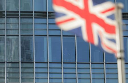 FTSE 100 Supported by Financial, Travel Stocks; Mid-Caps at Record High