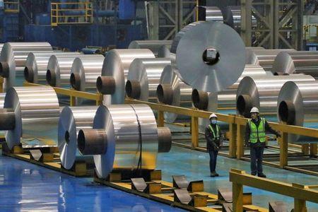 London Aluminium Hits 10-Year High on Supply Concerns