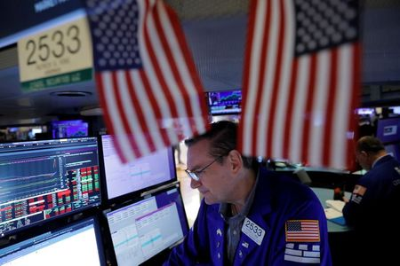 Stocks Sit Near Record Highs as Jobs Report Looms