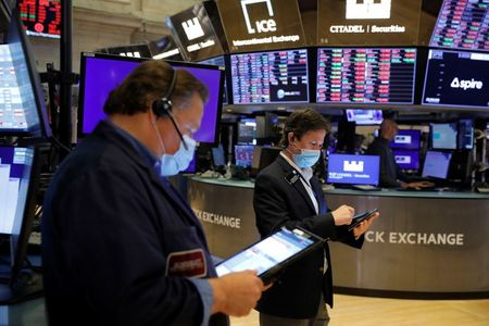 Shares End at New Peaks, Dollar Slips on Delta Concerns