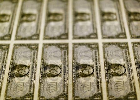 U.S. Dollar Slides for 2nd Day, But Outlook Stays Upbeat