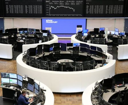 European Stocks Add to Losses on Growth Worries