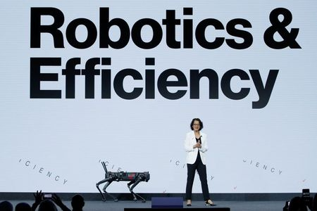 Verizon Shows Off 5G-Connected Robots at Barcelona Conference