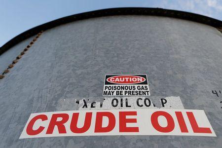 Oil Prices Slip Despite Stronger Economic Outlook