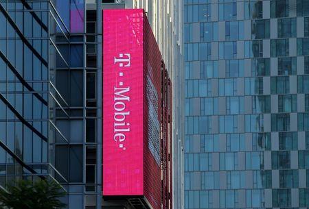 T-Mobile Netherlands, KKR to Invest 700 Million Euros in Fibre Optic