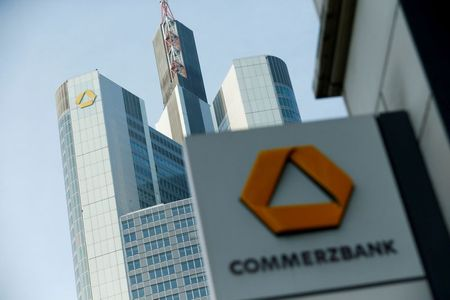 Commerzbank Swings to Q1 Net Profit, Beating Expectations
