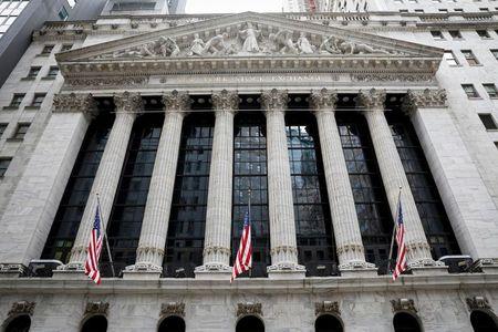 Nasdaq Ends Lower as Investors Sell Big Tech