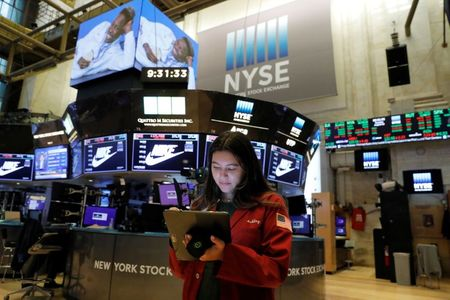 Wall Street Ends Lower, Weighed Down by Big Tech