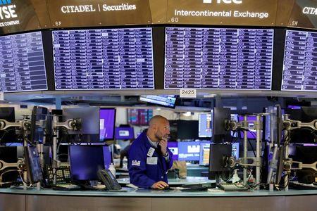 U.S. Corporate Bonds Perk Up After Stock Selloff