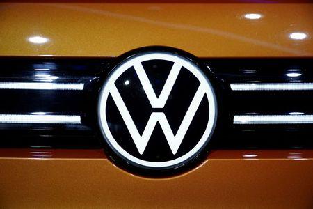 Volkswagen Plans to Change Management Structure