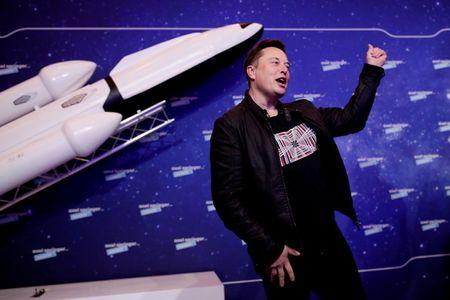 Musk Set to Tout Starlink Progress as Cost, Demand Hurdles Linger