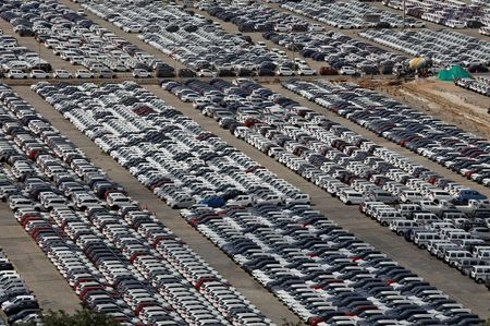 Indian Auto Dealers Predict Slow Sales Recovery as Virus Spreads to Rural Areas