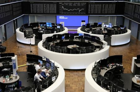 European Stocks Extend Record Rally on Lift From Insurers, M&A Activity