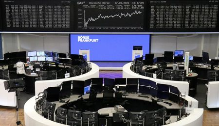 Europe Shares Mark Biggest Daily Drop in a Month as Miners, Luxury Stocks Tumble