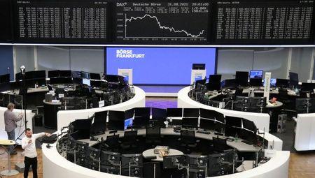 Marketmind: Currencies at a Crossroad