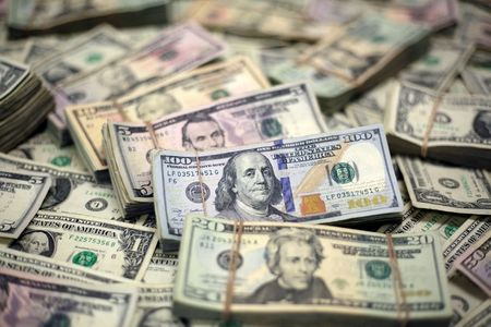 U.S. Dollar Slips From 1-Year High on Weak Data, Consolidation