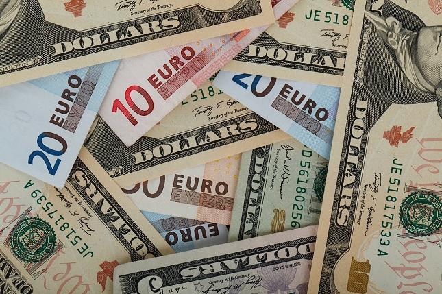 EUR/USD em Tendência de Queda