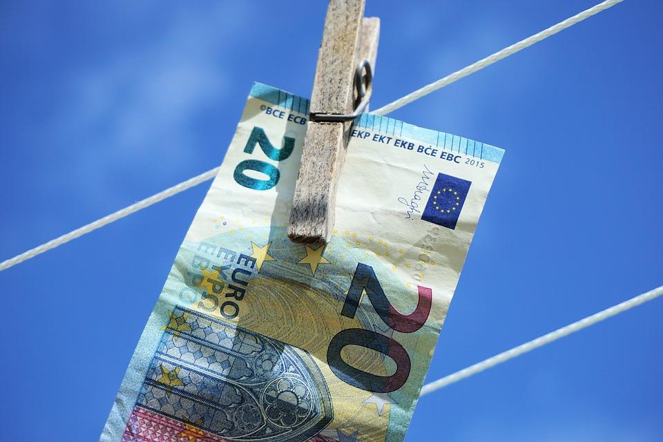 EUR/USD Retoma Movimento Descendente