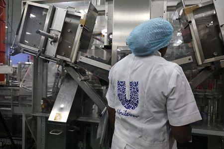 Unilever alerta para maior alta de preços à medida que a inflação piora