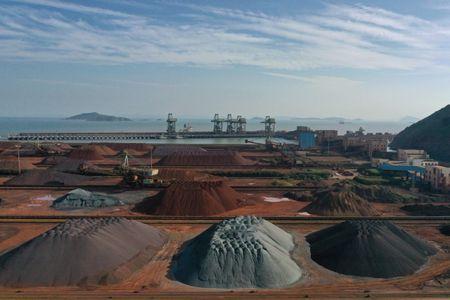 Minério de Ferro Avança na China Diante de Firme Demanda por Produção de Aço