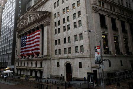 Prédio da Bolsa de Valores de Nova York. 13/04/2020. REUTERS/Andrew