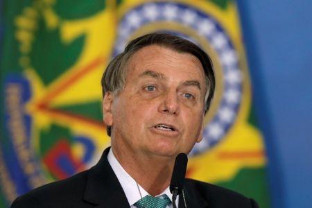 Chance de golpe é zero, diz Bolsonaro em entrevista à Veja