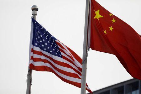 Embaixada da China nos EUA diz que politizar origem da Covid-19 prejudica investigações
