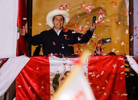 Candidato à Presidência do Peru Pedro Castillo discursa para apoiadores