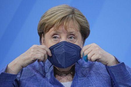 Chanceler alemã, Angela Merkel, durante reunião com governadores de Estados