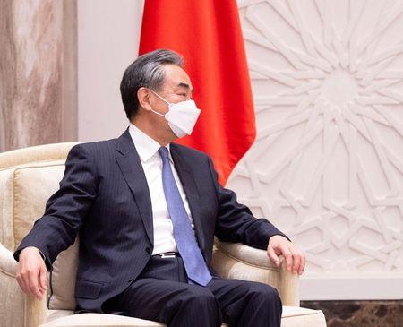 Ministro das Relações Exteriores da China, Wang Yi, durante visita