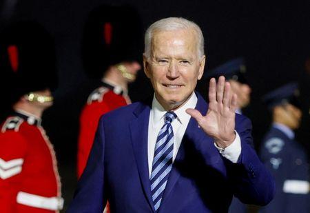 Presidente dos EUA, Joe Biden, chega para cúpula do G7