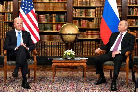 ANÁLISE–Biden Desdenha Rússia e Incentiva Aliados a Encurralarem Putin