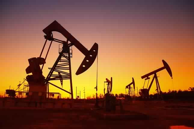 التحليل الأساسي اليومي لأسعار النفط – بيانات إدارة معلومات الطاقة يتوقع أن تظهر إرتفاعا بواقع 2.4 مليون برميل