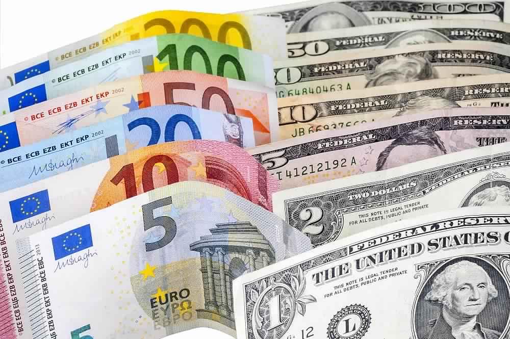 اليورو يظهر الكثير من التقلبات بعد تصريحات دراجي