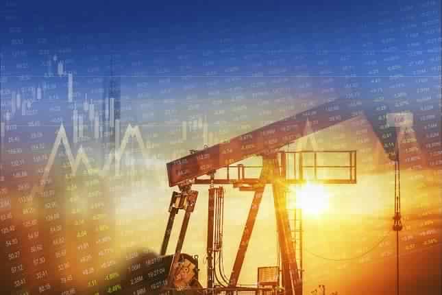 التحليل الأساسي اليومي لأسعار النفط – تقرير معهد البترول الأمريكي يظهر إرتفاع مفاجيء في مخزونات النفط الخام و إنخفاض أكبر في مخزونات البنزين