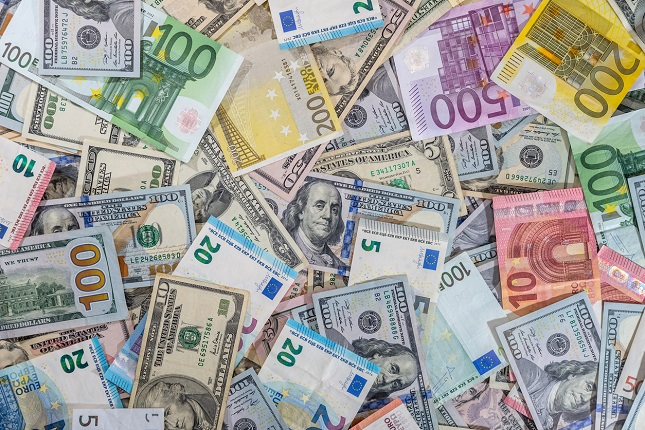توقعات اليورو مقابل الدولار .. اقتراب من أعلى المستويات في 2020