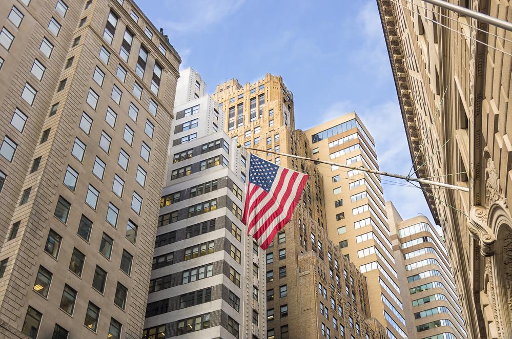 الذهب يجد الدعم و الدولار يتراجع فور صدور تقرير سوق العمل الأمريكي