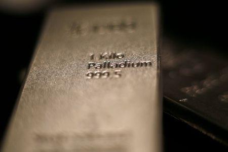 البلاديوم يتجاوز 3000 دولار لأول مرة بدعم من نقص في المعروض