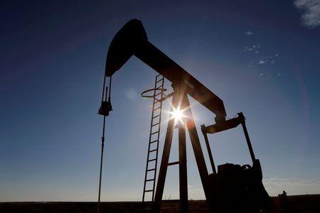صادرات الولايات المتحدة من النفط الخام تهبط إلى 2.703 مليون ب/ي في فبراير