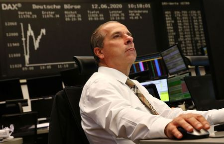 الأسهم الأوروبية تصعد بفعل نتائج قوية من ساب و(إل في إم اتش)