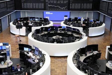 الأسهم الأوروبية تهبط بفعل توقعات متشائمة لشركات السلع الفاخرة بسبب مشاكل الصين