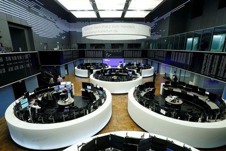 صعود أسهم أوروبا وآمال التعافي ترفع البنوك وشركات التعدين