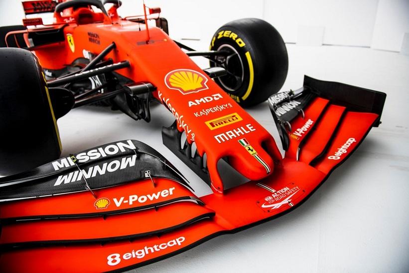 L'équipe Scuderia Ferrari visite le siège de EightCap à Melbourne